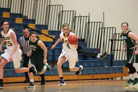 Girls varsity basketball finds identity, defeats West Ottawa 41-29