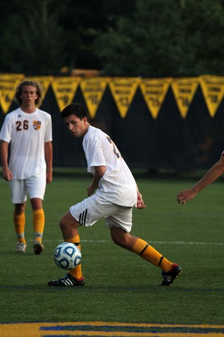 Soccer team tops Holland 2-0