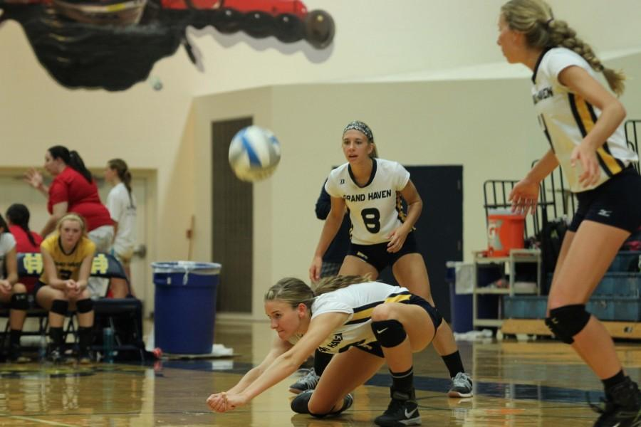 Grand Haven volleyball sweeps quad 3-0
