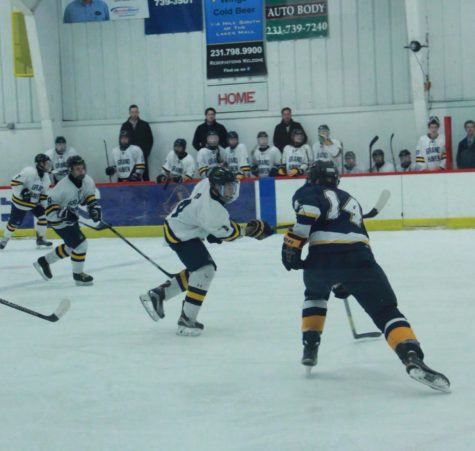 No early holiday gift for Bucs hockey in loss to Bay Reps