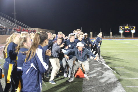 Seniors seal a victory at 2018 homecoming powderpuff