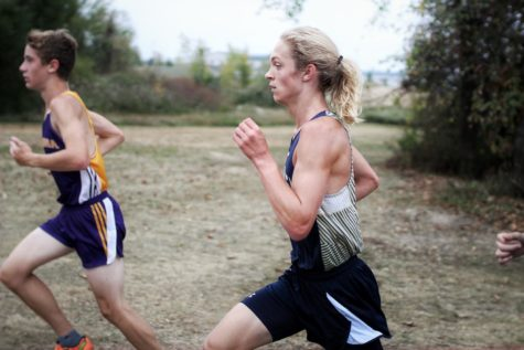 Buccaneer cross country team sprints to victory at Allendale Falcon invite