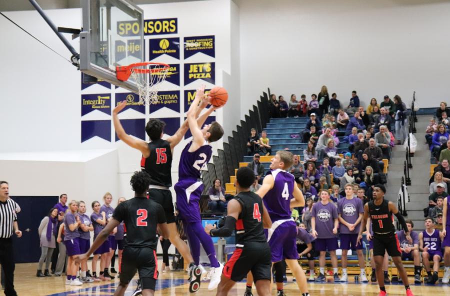 Boys basketball uses hot start to snap losing streak