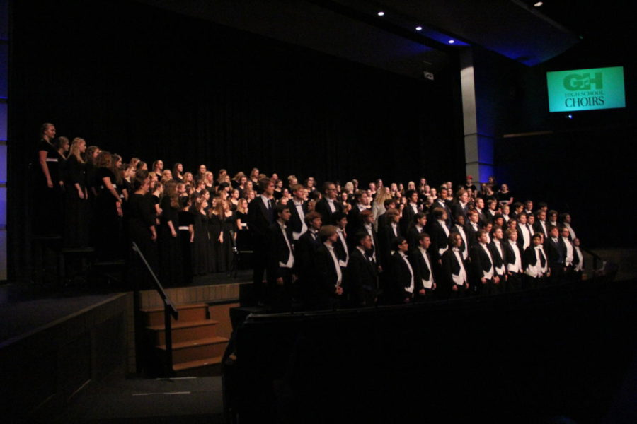 Choir hosts first concert of the school year