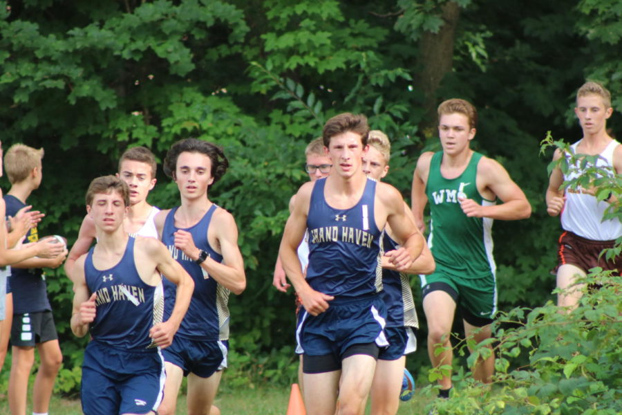 Boys+and+girls+cross+country+teams+prepare+for+conference+championship+meet