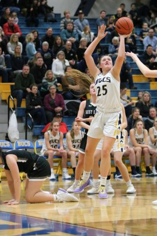 Girls basketball travels to Rockford