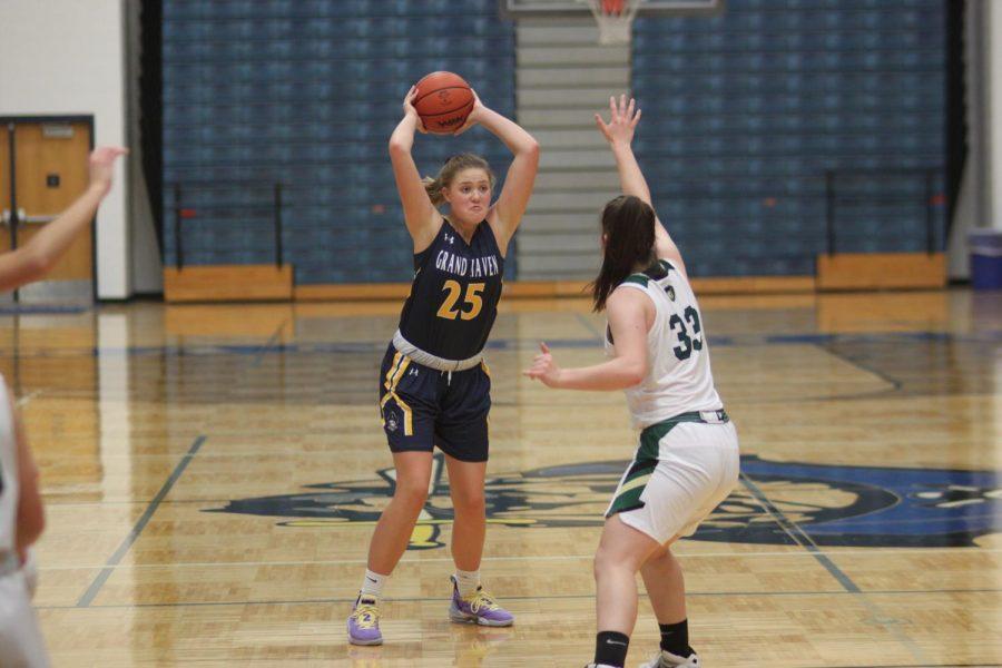 Girls+Basketball+beats+Ludington+in+close+game