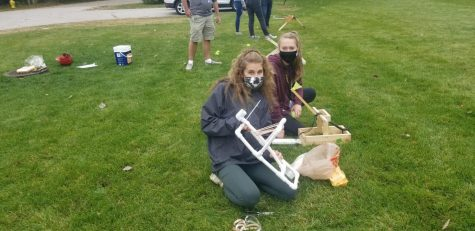 AP Physics students participate in egg launch experiment