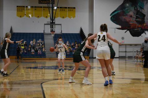 Girls varsity basketball falls to Jenison