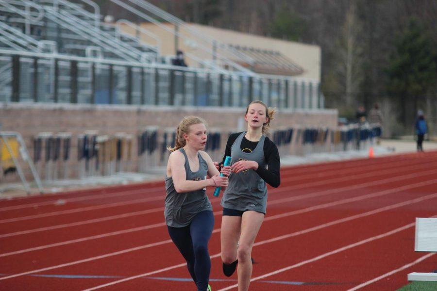 Track teams fall to Rockford