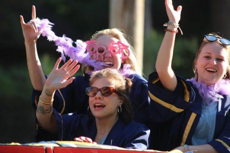 Celebrating class of 2021 through car parade