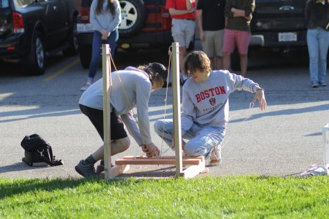 AP Physics students participate in egg launch lab